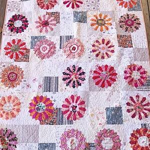 A Dresden Quilt, YOU CHOOSE SIZE AND COLORS