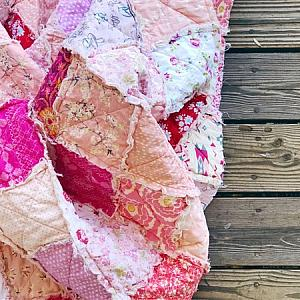 RAG QUILT - The Sweetheart Quilt - Scrappy Quilt - Handmade Just for You